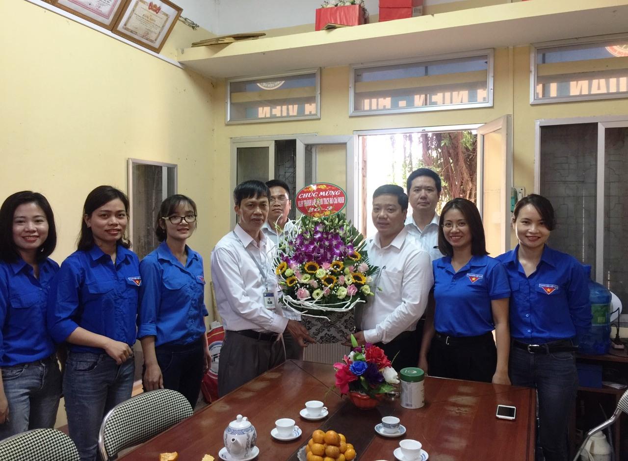 Lãnh đạo Nhà trường chúc mừng Ngày thành lập Đoàn TNCS Hồ Chí Minh (26/3/1931 – 26/3/2020)