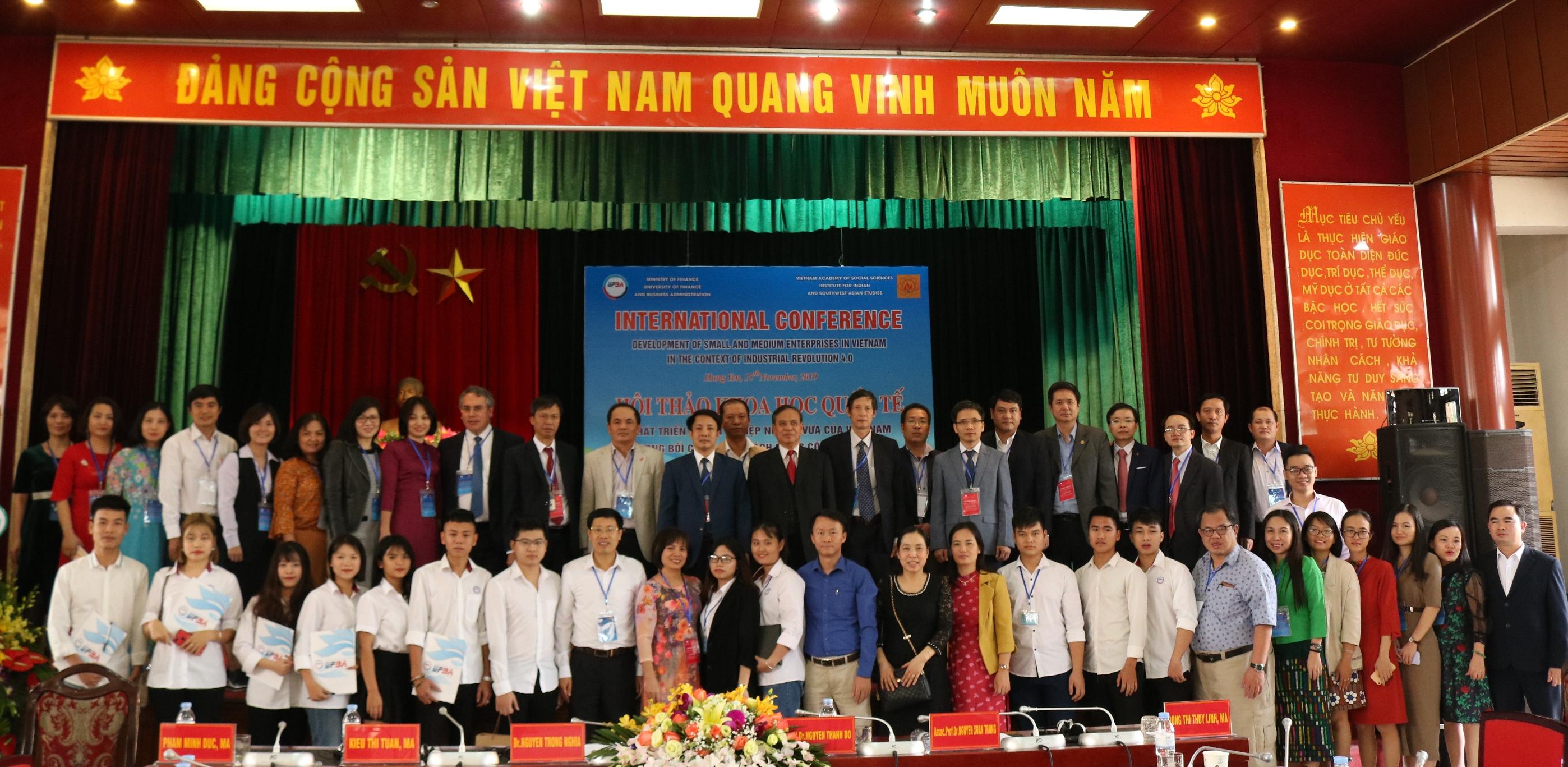 """Hội thảo quốc tế 2019 """"Phát triển doanh nghiệp nhỏ và vừa của Việt Nam trong bối cảnh cuộc cách mạng công nghiệp 4.0"""